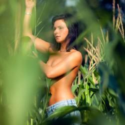 Mais topless mit Sassa Vanny in Lichtenstein