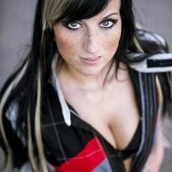 Boxengasse Sachsenring mit Katja - Eyecatcher No 1 - Portrait